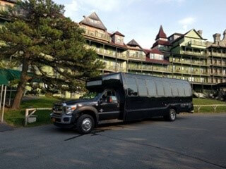 Corporate Limo Service: What Types of Vehicles Do They Have?